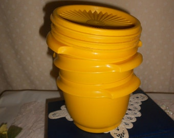 Tupperware Bowl Set in Yellow servalier bowl set of 3 (read details)