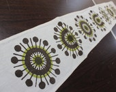 Linen Table Runner or Wall Hanging Norwegian Scandinavian design Star Burst Flower MCM VINTAGE by Plantdreaming