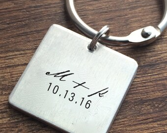 Engagement Keychain Personalized Date Keychain Wedding Keychain Custom Personalized Key chain Keychain Gift Groom Gift Fiance Gift For Him