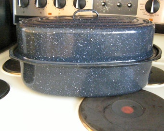 Vintage Eight Quart Enamel Roasting Pan with Lid