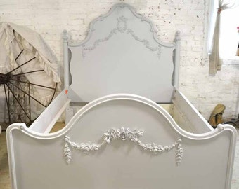 French Bed Painted Cottage Shabby Chic Deluxe French Bed Twin / Full Double with Pull Out Trundle BD755