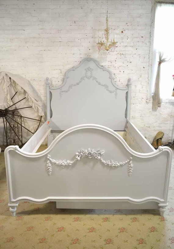 french bed painted cottage shabby chic deluxe french bed twin. Black Bedroom Furniture Sets. Home Design Ideas