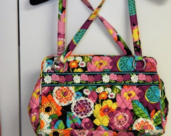Vera Bradley Tote Style Handbag  Bright floral Quilted Fabric Free ship in US.
