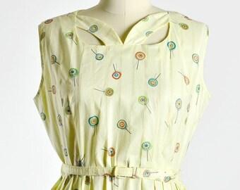50% OFF SALE 1950s vintage dress • novelty print dress • day dress • large XL