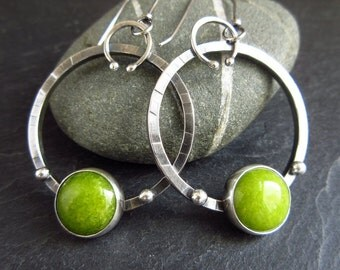 Sterling silver hoop earrings with green calcite cabochon, hammered hoops, metalwork jewelry, oxidized silver finish, green gemstone hoops