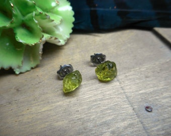 Pea Pod Earrings. Green Peridot Raw Rough Specimens & titanium post earrings. Ear studs. simple delicate romantic