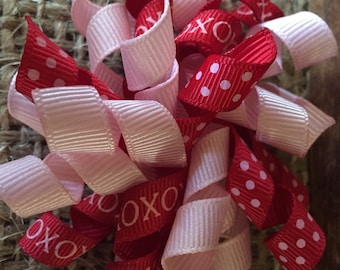 X's and O's Polka Dot Valentine's Day Korker Bow Hair Clip