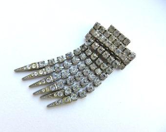 50s Rhinestone Silver Fringe Brooch Pin - Diamante Prong Set Rhinestones, Fringe Tassel silver tone -- art.479/4 -