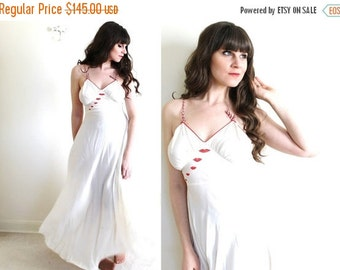 ON SALE 1930s Nightgown / 1930s Lingerie / Valentines Day Lingerie