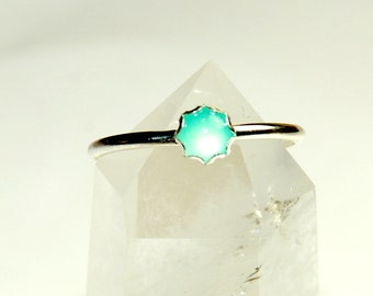 Chrysoprase Ring - Size 8 Ring - Sterling Silver Ring - Light green glowing gemstone - stacking ring - simple