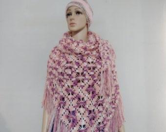 Crochet shawl in multiple pink