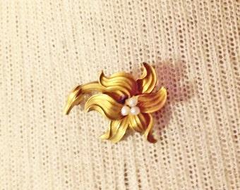 Antique Art Nouveau 10k FLEUR-DE-LIS stylized Lily  Brooch Antique Art  Nouveau Brooch Jewelry