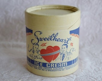 Vintage ICE CREAM CARTON Box Container Sweetheart Lady Man Graphics Heart Unused Parlor Shop Decor Decoration Pint Size New York Custard Nos