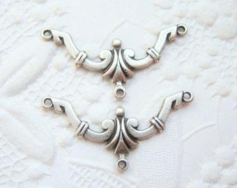 2 - Antiqued silver art deco three ring connectors - FZ135