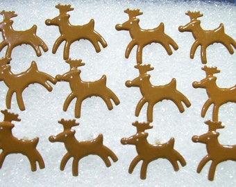 12 18mm Reindeer shaped metal Brads