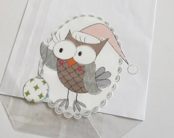 Christmas cello gift bags - fun design with owl in cap with bauble - 14.5 x 23.5 cm - set of 10