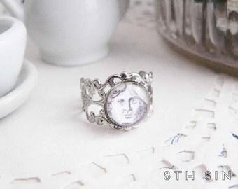 Antique Silver Moon Ring, Antique Silver Moon Cameo Ring, Silver Alchemy Moon Ring, Silver Full Moon Ring, White Full Moon Ring, Moon Face