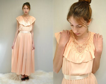 Bohemian Bridesmaid Dress  //  70s Peach Dress  //  Vintage Ruffle Dress  //  SCENT of APRICOT