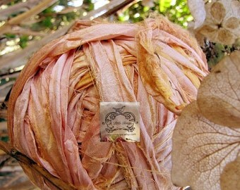Sari Silk Recycled Ribbon in a Peach Triple Delight Blend