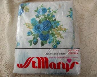 new in package - twin flat sheet - white, floral, aqua, Rose Bouquet, muslin