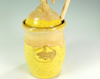 Ceramic honey dipper pot ON SALE, pottery honey jar, stoneware honeypot, ceramic honey pot with bee, yellow honey jar with dipper stick