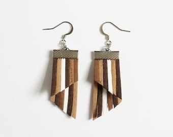 Color Stripes Earrings - Brown Khahi White