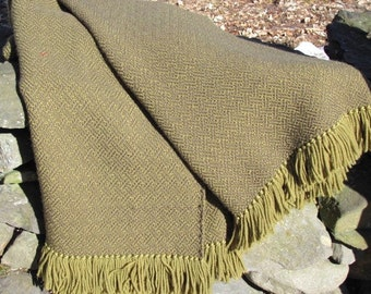 Rustic Mountain Cabin Country Home Decor Olive Green Wool Throw Blanket, Cottage Farmhouse Decor Hand Woven Blanket, Couch Throw Blanket