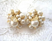 Vintage Cluster Earrings ~ Clip On ~  Gold Tone & Pearl Beads