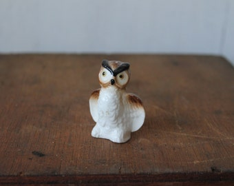 Vintage Ceramic Owl Shaker //  Owl Collectible