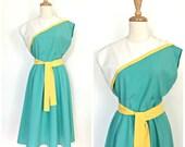 Vintage Full Skirt Dress - 70s dress - spring fashion - cotton dress - fit and flare - Medium - Large