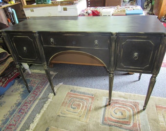 Cottage style sideboard in Black & gold