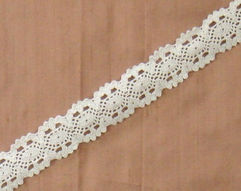 Lace Trim - Thick White Lace Trim - 8 yards 1 inch wide lace142