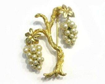 Marvella Tree of Life Pin Dangling Faux Pearl Clusters Vintage Signed Brooch
