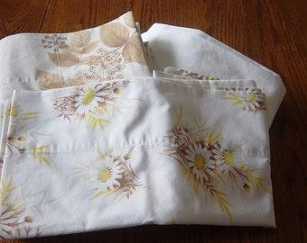Remix Vintage Twin Sheets & Pillowcase Set Complete Earth Tones Woodland Vintage Linens Bedding