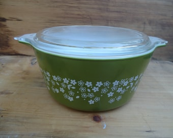 Vintage Avacado Green Pyrex Casserole Dish with Glass Lid