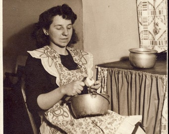 Mother PEELING APPLES For a Fresh Homemade Pie Photo Circa 1940s