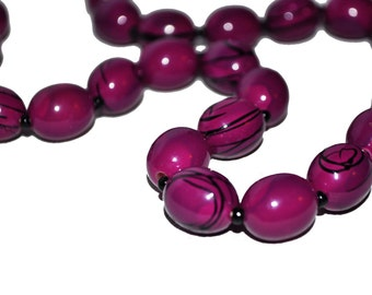 1980s Purple Vintage Beaded Necklace. Black Paint Swirl. Sring of Beads.