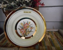 Vintage CHOKIN PLATE Fine Porcelain gilded 24K Gold Edge Hummingbird Tulip Flowers Collectible Decorative Plate Made in Japan Himark 1985