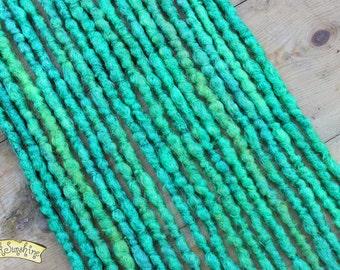 Green DE x10 Crochet Synthetic Dreads