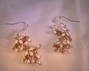 White, flower, style, dangle, earrings, ready to ship