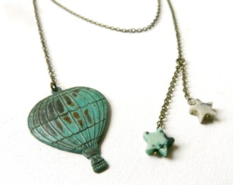 Green Stars and hot air balloon necklace pendant ( escape, jules vernes, star, sky, verdigris, travel ) 03