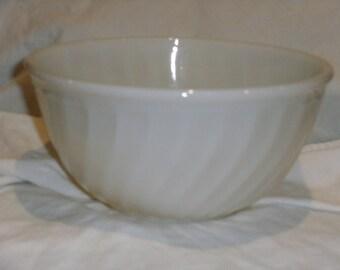 Vintage Fireking Ivory Swirl Mixing Bowl