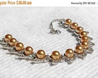 20% OFF SALE - Vintage Gold Pearl and Crystal Rhinestone Bracelet
