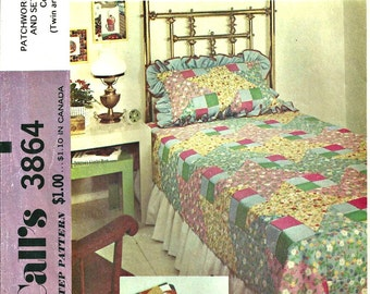 Quilt Pattern 1970s Bedspread, Pillows, Shams Pattern McCalls 3864 Vintage Home Décor Twin and Double Size