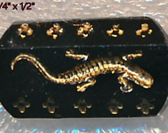 Black Glass LIzzard Button