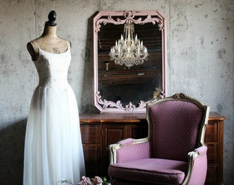 C H I P P Y, Pink French Elegant Nursery Mirror Vanity