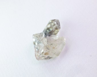 Scepter Quartz Crystal. Lil' Earth Treasures & Minerals. Vibrational Healing. Can Drill. 1 pc. 15.50 cts. 16x23x11 mm (QTZ571)