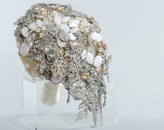 Large Cascading Brooch Bouquet - Custom Crystal Teardrop Shape Art Deco Bridal Bouquet - Modern Jewelry Shiny Alternative Wedding Bouquet