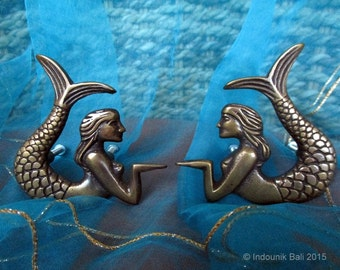 Putri Duyung Mermaid Cabinet Door Knobs or Drawer Pulls Matching Pair 77mm