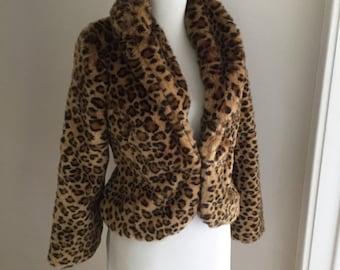 Vintage 1950s 1960s Style Faux Fur Leopard Animal Print Plush Jacket